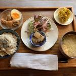 キュキュ - 料理写真:日替り玄米ごはん