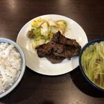 牛たん 太助 - 定食ランチは税込1300円也!