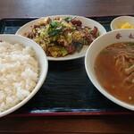 香妃 - 料理写真:豚肉とキャベツの味噌炒めAセットご飯大盛り