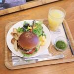 ZARAME NAGOYA - 料理写真:本日のおすすめバーガー