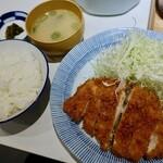 福与志 - チキンカツ定食(800円)