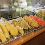 蕎麦一心たすけ - 天ぷら各種。