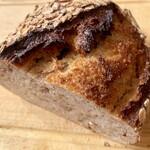 129527019 - 滋味パン