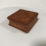 プレスバターサンド - ほんのりピンク色のクッキー生地です