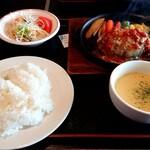 よかよか亭 - ハンバーグ定食 Mサイズ チーズ