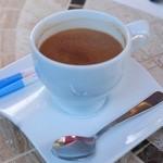 アールティーズ・インディアン・カフェ - たっぷりシナモンチャイ