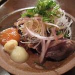昭和居酒屋 ほっこり亭 - カツオのたたき ハーフ¥300