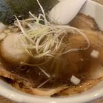 博多鶏塩らぁめん みやびや - 醤油チャーシュー麺+煮卵トッピング
