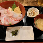 男前料理と五島列島直送の魚 神保町 無花果ichijiku -