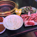 焼肉処 はりそんの家 - ロース・カルビ定食1,070円(税込)
