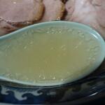 麺工房 隠國 - 綺麗に澄んだスープ