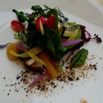 129571954 - 美瑛の畑20種類の野菜を使った取り合わせ