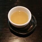 メフィストフェレス - その他写真:コレゎ。。お茶?