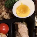 129585198 - 宇治田卵の茹で卵ハーフ                         今帰仁アグーの煮込み