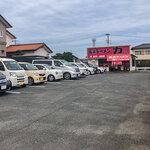 長浜ラーメン力 - 開店直後は空いていたけど・・・帰る頃には駐車場は満車になってました。