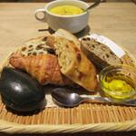 ロータスバゲット - パンとスープセット 750円(税込)