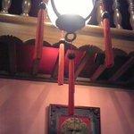 酔樓本館 - 中国らしい赤を基調としたインテリア 個室みたいに仕切られてました。