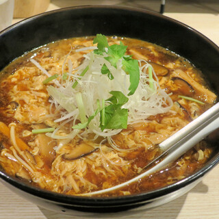 ボノボ - 料理写真:新・酸辣湯麺780円