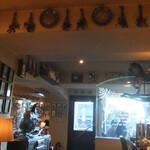 カフェ・ミエル - 店内。