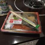 デイリーヤマザキ - 料理写真:紅鮭弁当510円
