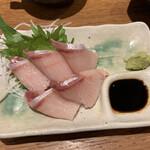 天ぷらとワイン 大塩 - 寒ぶりの刺身