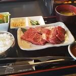 焼肉・てっちゃん鍋 銀衛見 - 焼肉ランチ 肉増量 全容