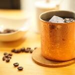 カフェ&バー キャンプファイヤー - オーガニックアイスコーヒー