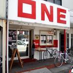 ONE - お店 外観