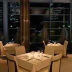 リストランテ ウミリア - みなとみらいを眺めながら穏やかなディナーを・・・。