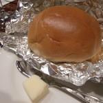 ビフテキのカワムラ - パン