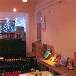 8bit cafe - 店内右側