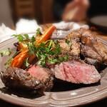 炭ビストロ コショネキッチン - 赤城牛熟成肉100g&くちどけ加藤ポーク(ロース)200g