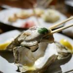 炭ビストロ コショネキッチン - 焼き牡蠣