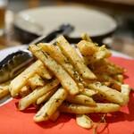 炭ビストロ コショネキッチン - 5種のハーブとにんにくのトスカーナ風ポテトフライ