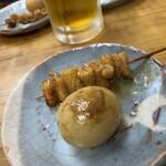 鳥好 - 料理写真:鶏皮串と玉子のみそ煮