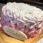 129676020 - インスタ映えなケーキ
