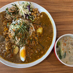 アジアンキッチン オオツカレー - 3種がけカレー(グリーンカレーは別皿)