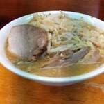 ラーメン二郎 - 料理写真:小ラーメン。¥750 携帯変えたてで写真が上手く撮れないのだよ明智くん!