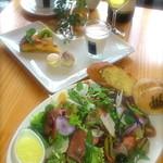 サユ - 料理写真:1日限定20食!ガーデンサラダプレートランチ