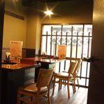 焼肉洞 - 完全個室としても使える空間。清潔感がある落ち着いた雰囲気で楽しめます♪