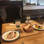pasta&meat STAUB - パンと前菜。
