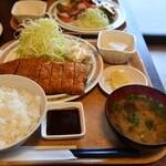 二本杉 - 料理写真:とんかつ定食