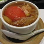 中国料理 星華 - スープ 牛のチマキとトマトの薬膳スープ