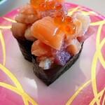 くるくる寿司 - 料理写真:海鮮軍艦