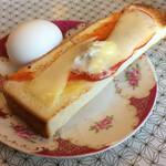 珈琲エーデルワイス - Dモーニングのピザトーストと玉子