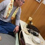 やきにく徳山 - その他写真:昼間からご機嫌なお客様