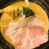 布施丿貫 - 料理写真:鮟肝白湯そば