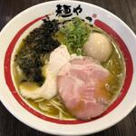 麺や でこ - 浅利香味そば(980円)+味玉(120円)