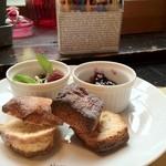 ブリキボタン CAFE&DINING - スコーン