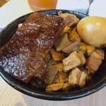 秋葉原 岡むら屋 - ♦︎デラ肉めし並盛り¥770 ♦︎特製スープ ¥60